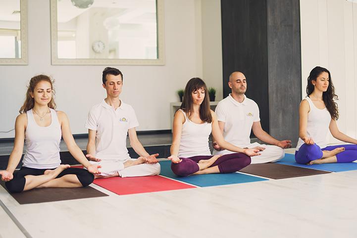 Йога в компании
